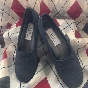 Crazy Horse Shoes